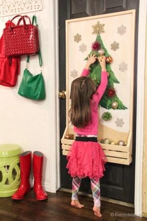 Chrsitmas Tree advent calendar with hooks-23