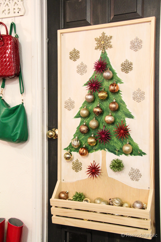 Chrsitmas Tree advent calendar with hooks-29