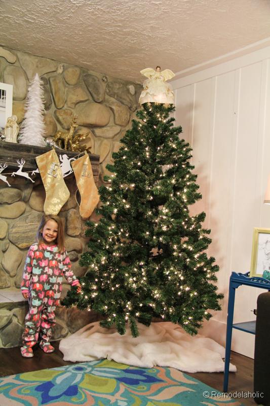 No sew faux fur Christmas tree skirt-7