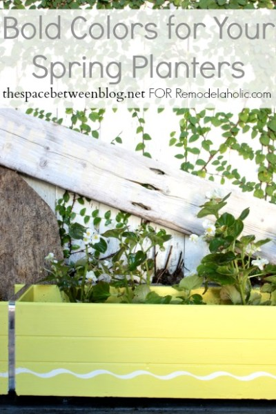 bold color planters by thespacebetweenblog.net for Remodelaholic.com