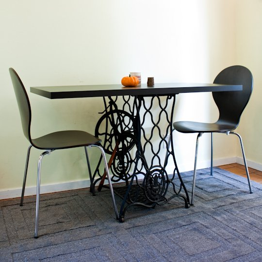 sewing table into dining table, via Apartment Therapy