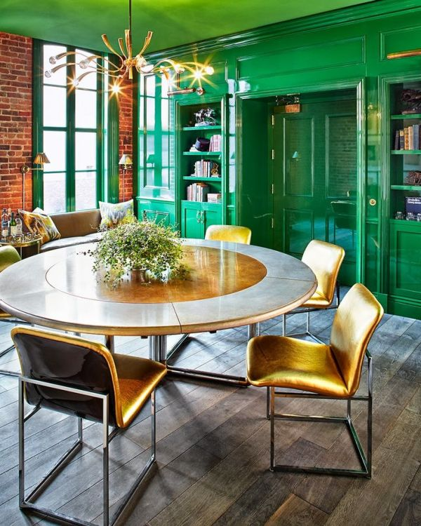Green Lacquered Built-In Shelving