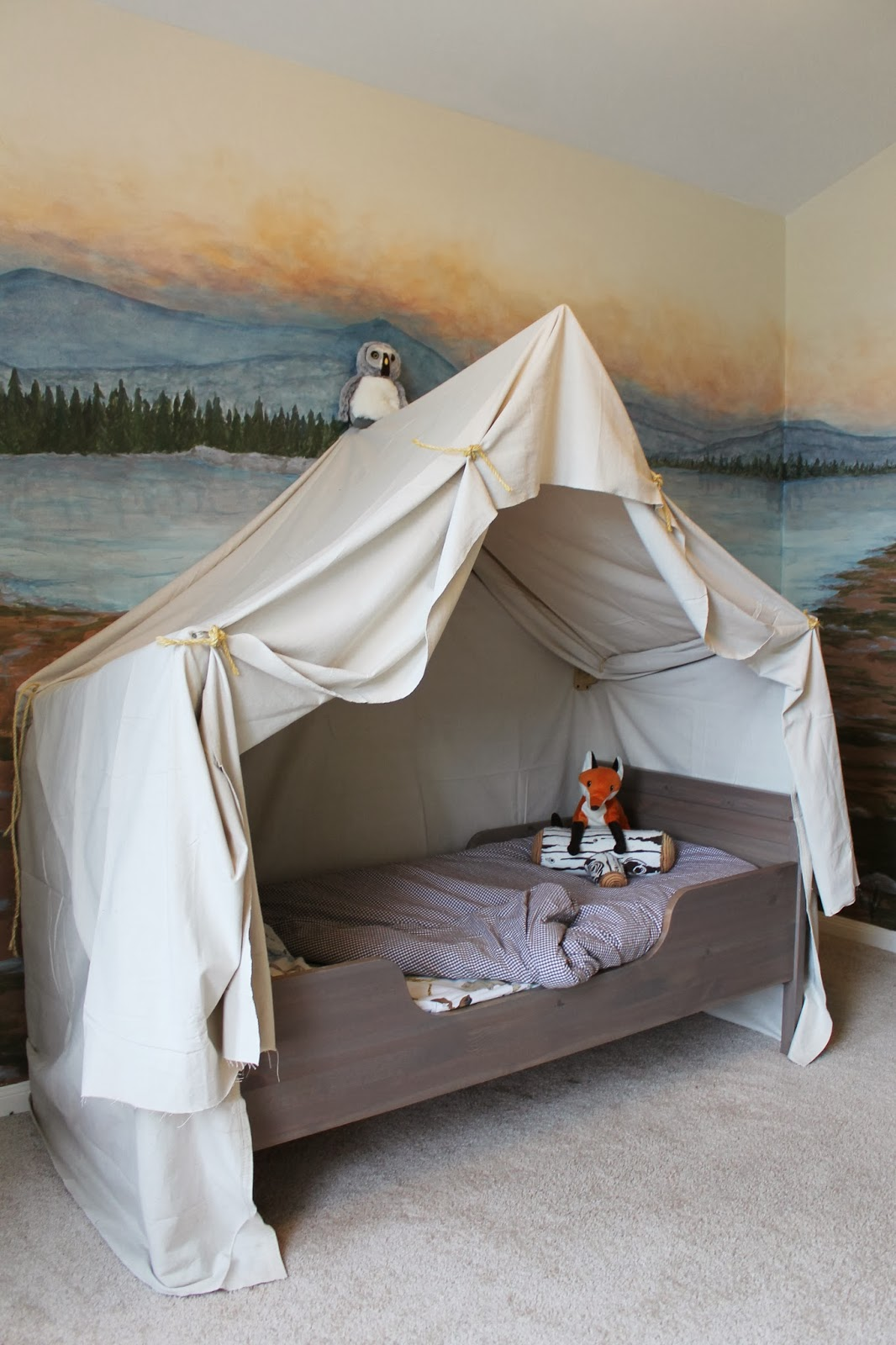 Build an indoor c&ing tent bed canopy for kids | The Ragged Wren on Remodelaholic. & Remodelaholic | Camping Tent Bed in a Kidu0027s Woodland Bedroom