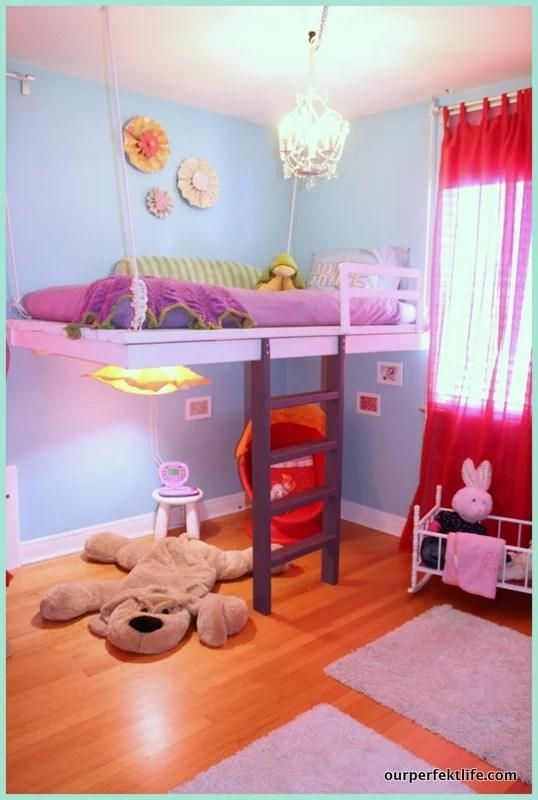 Remodelaholic 15 amazing diy loft beds for kids for Suspended beds for kids