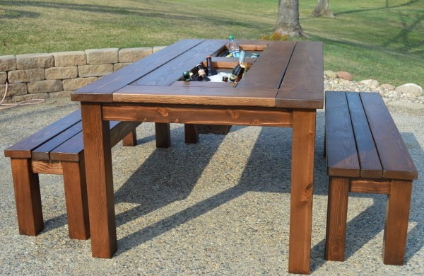 DIY patio table with built-in ice boxes, Kruse's Workshop on Remodelaholic