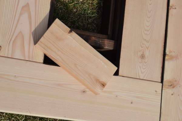 add skirting to ice box frames on patio table 5, Kruse's Workshop on Remodelaholic