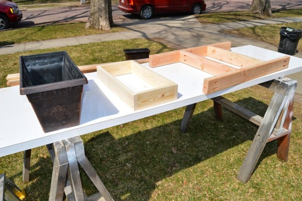 fit patio table ice box frames to supports 5, Kruse's Workshop on Remodelaholic