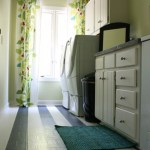 low-cost-laundry-room-makeover-featured-on-Remodelaholic