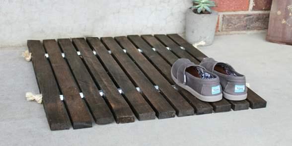 Wood Stake Doormat cropped