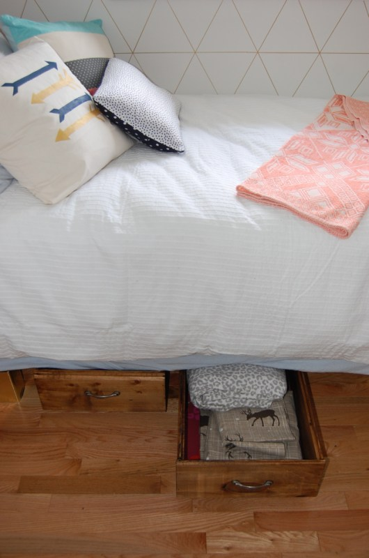 underbed storage crates in spare room, DIY Passion on Remodelaholic
