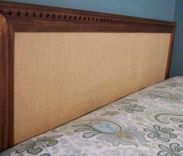 burlap and wood trim diy easy headboard, Do Not Disturb This Groove on Remodelaholic