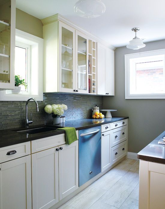 Superieur Galley Kitchen Layout Via DecorPad