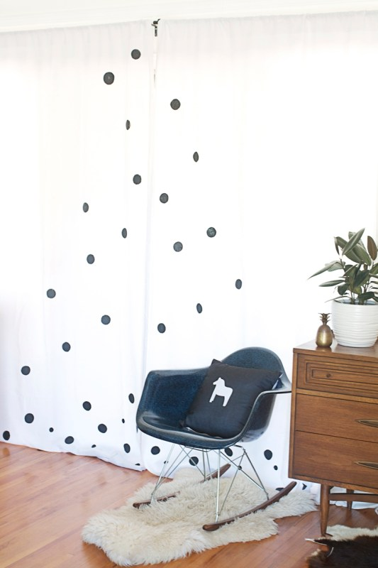 Hello Lidy - polka dot painted curtains - via Remodelaholic