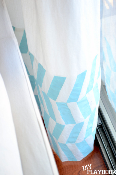 The DIY Playbook - painted herringbone curtains - via Remodelaholic
