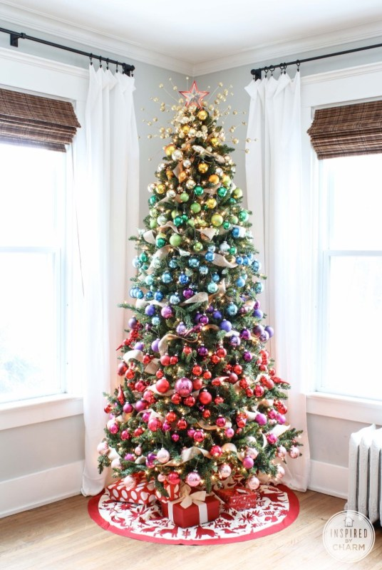 rainbow christmas tree - Inspired by Charm via @Remodelaholic