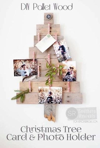 DIY Pallet Wood Christmas Tree Photo & Card Holder @Remodelaholic