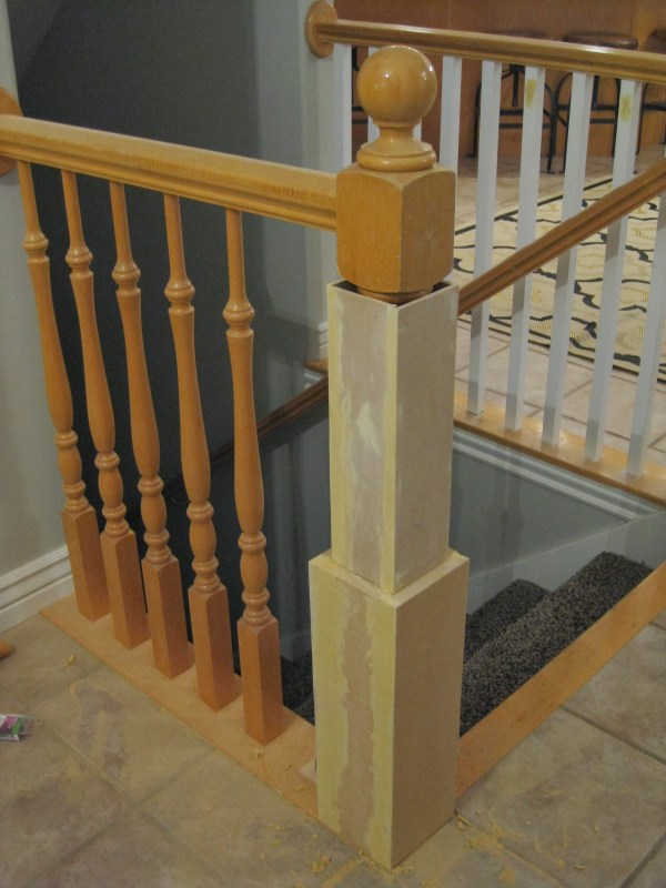 diy newel post with existing banister  - TDA Decorating and Design featured on @Remodelaholic