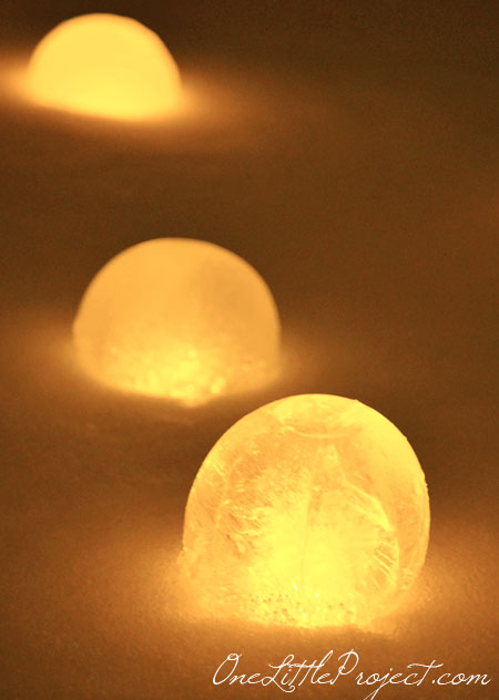 easy ice luminary balls - One Little Project via @Remodelaholic