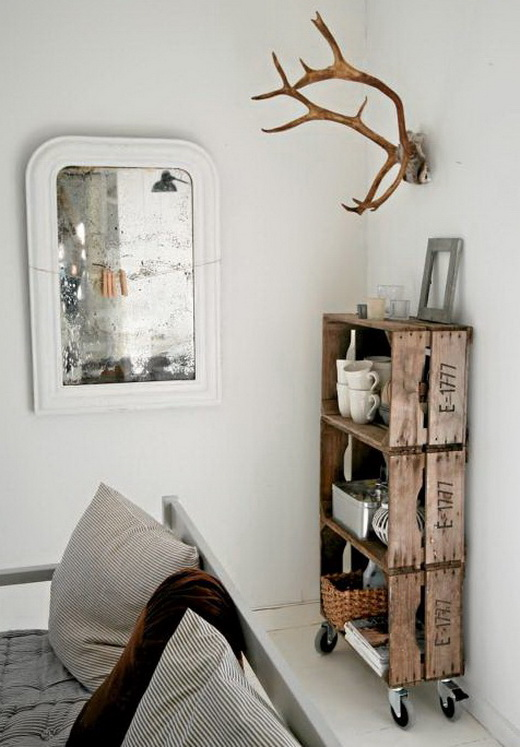 Vintage-Crate-shelf