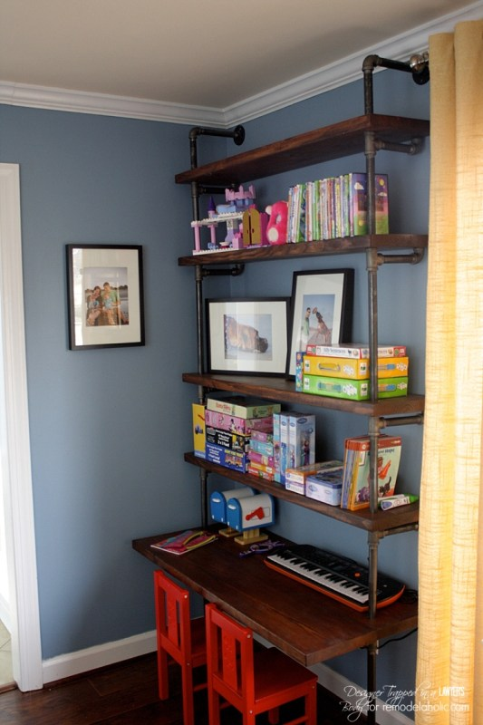 These are perfect for kids AND adults! AWESOME tutorial for DIY industrial shelves and desks by Designer Trapped in a Lawyer's Body for Remodelaholic.com.