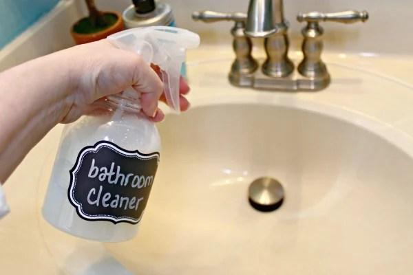 All-Natural-Bathroom-Cleanser