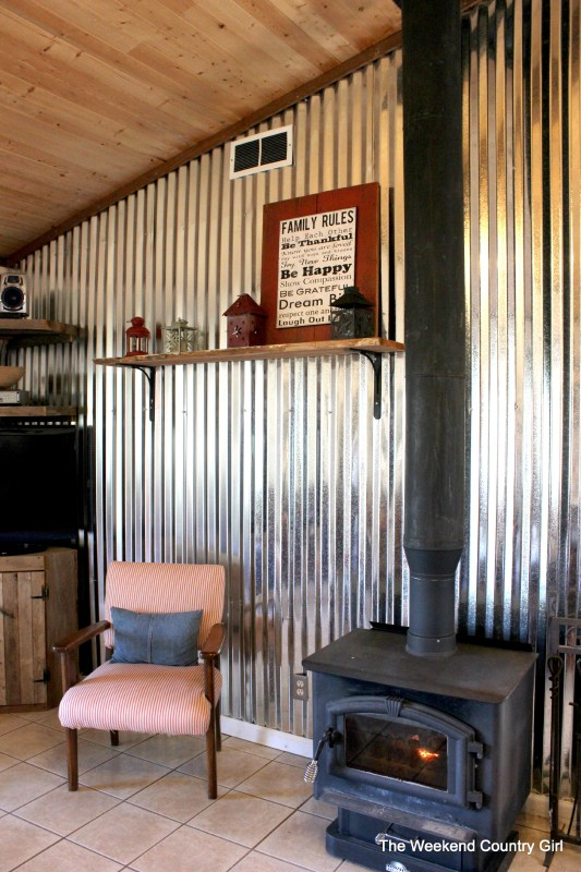 DIY Corrugated Tin Wall Tutorial - The Weekend Country Girl featured on @Remodelaholic