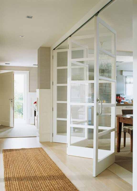 Beautiful Doors - glass pane accordion doors via El Mueble