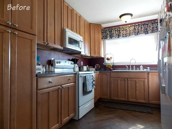 How To Paint Kitchen Cabinets By The Palette Muse Featured On Remodelaholic