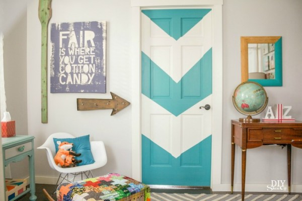 color blocked chevron door - DIY ShowOff