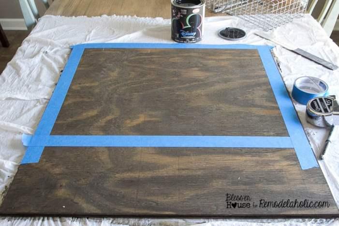 How to paint a chalkboard for a wall organizer - DIY Locker Basket Mail Organizer
