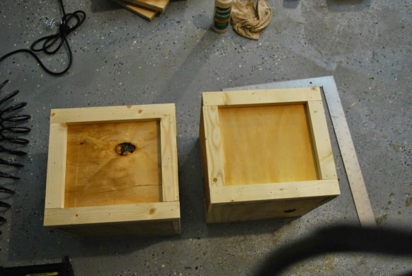 How to Build Seats for Childrens Play Table by ToolBox Divas for Remodelaholic