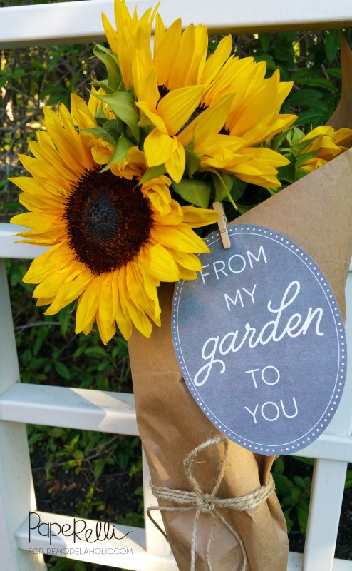 Share the wealth of your garden's flowers and produce with this free printable garden gift tag