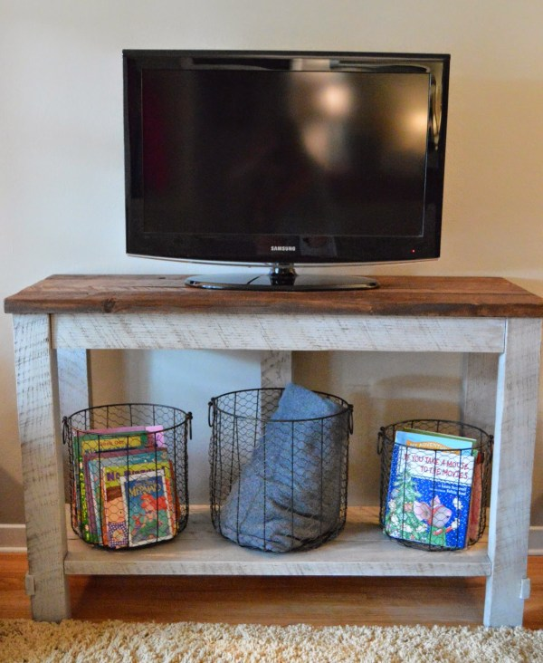 diy reclaimed wood TV table that hides electronics cords (Kruse's Workshop via Tatertots and Jello)
