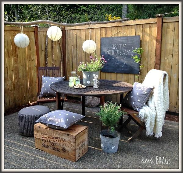 patio table setup, Little Brags