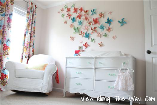 diy pinwheel wall (View Along The Way)