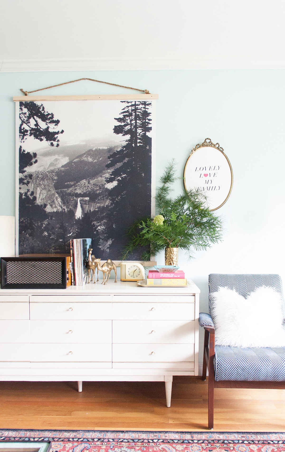 Remodelaholic | 60 Budget-Friendly DIY Large Wall Decor Ideas