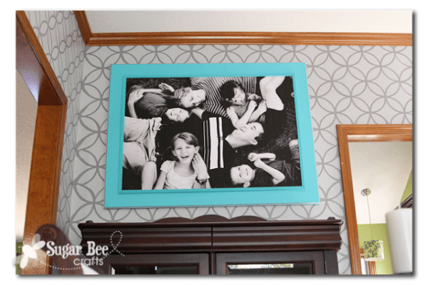 DIY Wall Art: extra large family photo engineer print and DIY frame (Sugar Bee Crafts)