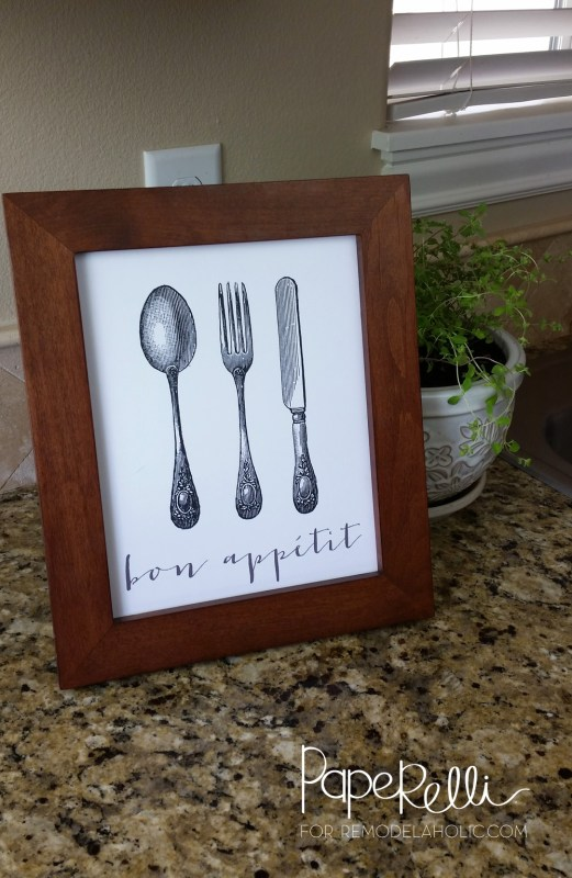 FREE Bon Appetit Printable -- this would be so cute on my kitchen wall! A great housewarming gift idea, too. Easy and inexpensive, just put it in a frame.