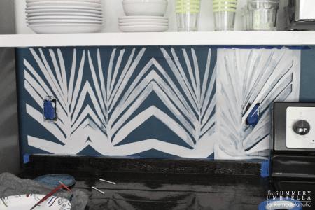 diy-kitchen-backsplash-stencil-10