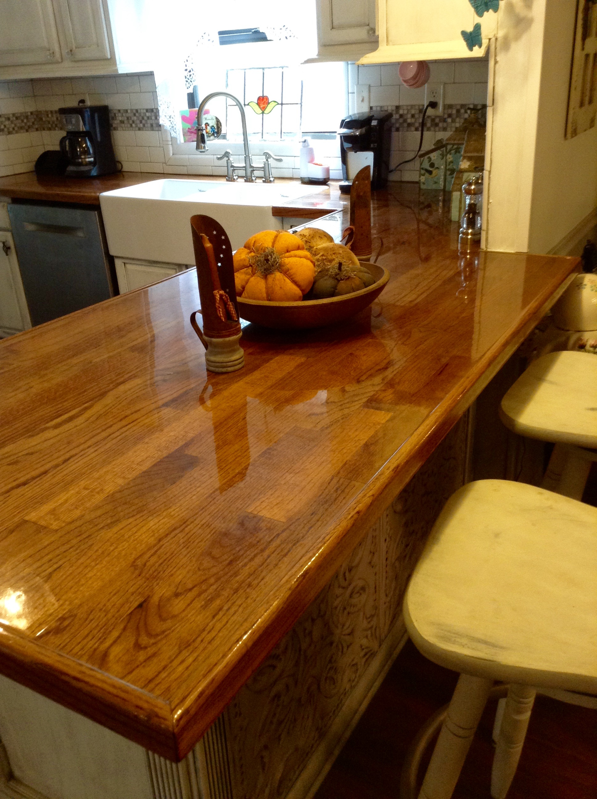 and scalloped trimmed with hammered pin copper hand countertop