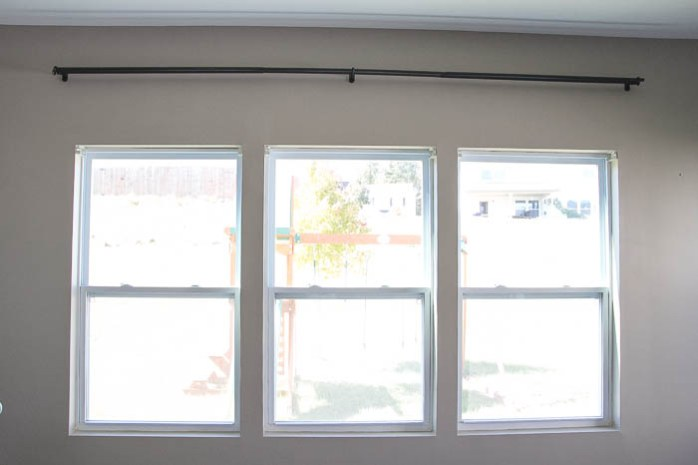Before of the window getting DIY Easy Craftsman Trim featured on Remodelaholic.com