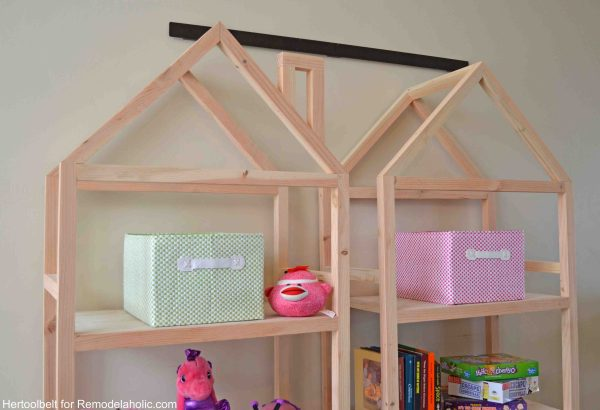 Get organized with these adorable house frame bookshelves. Free and easy plans to build a DIY house frame bookshelf.