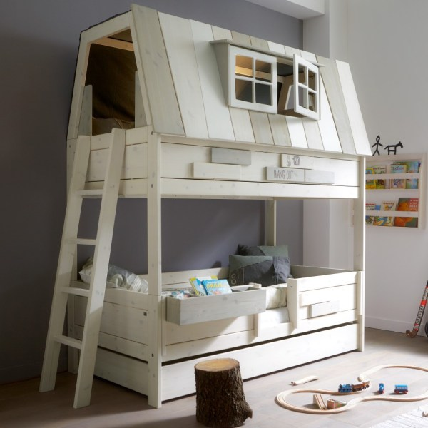 awesome house bunkbed via Cuckooland