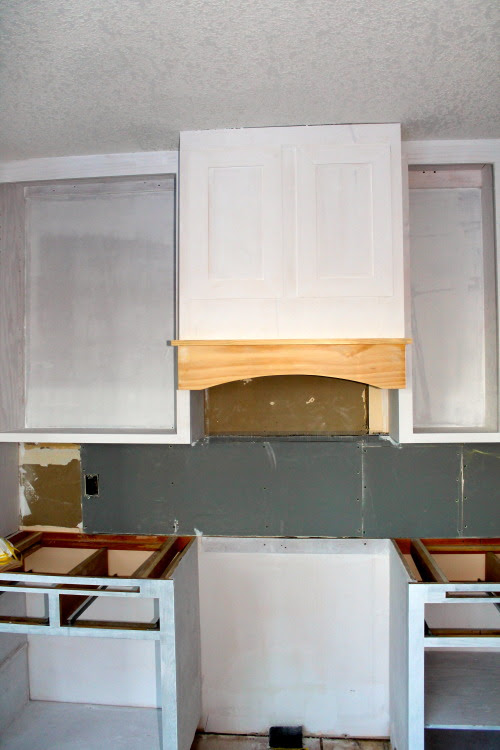 building and installing a portrayed range hood for a kitchen remodel, construction2style on @Remodelaholic