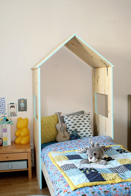 easy kids wood with colored edge house-shaped headboard The Blue School