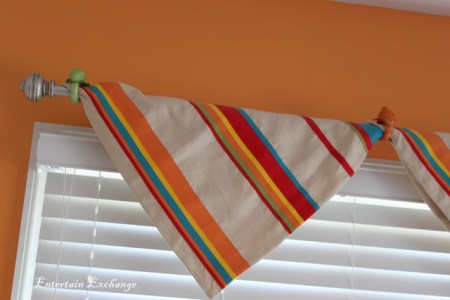 easy no-sew window valance via Remodelaholic