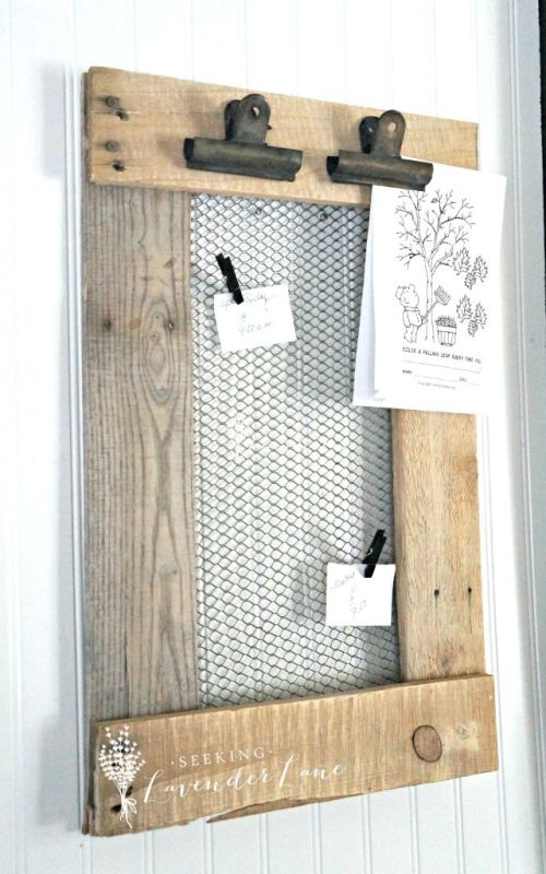 rustic farmhouse pallet wood and chicken wire message board Seeking Lavender Lane