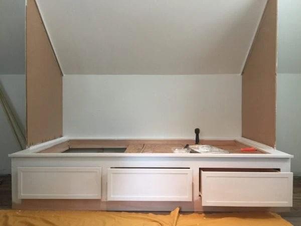 DIY built-in bed nook tutorial, Debi @Remodelaholic (1)