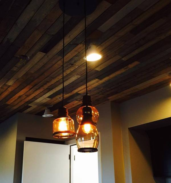 diy rustic v-groove paneling ceiling, tutorial by Michelle on @Remodelaholic