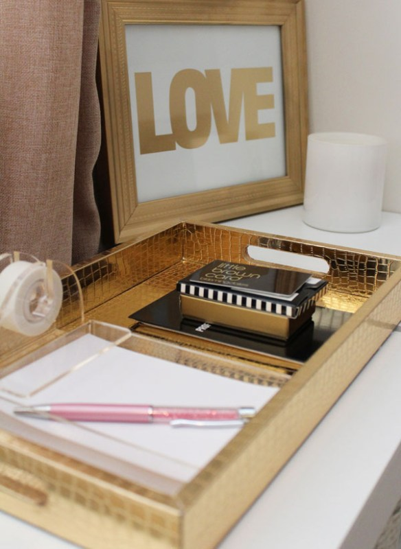 use a tray to organize desktop supplies and stationery Living in Color Print